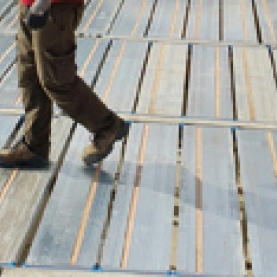 TopDalle Eco - Alphi's latest innovation for formwork for residential construction,<br /><br /> TopDalle Eco is unrivalled in terms of safety and productivity.<br /><br /> Its full-surface panels provide a proper stable and secure working<br /><br /> platform. Workers can work safely, productivity is increased.